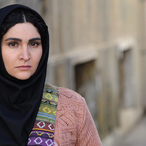 نورا هاشمی در نمایی از فیلم «جیب بر خیابان جنوبی»