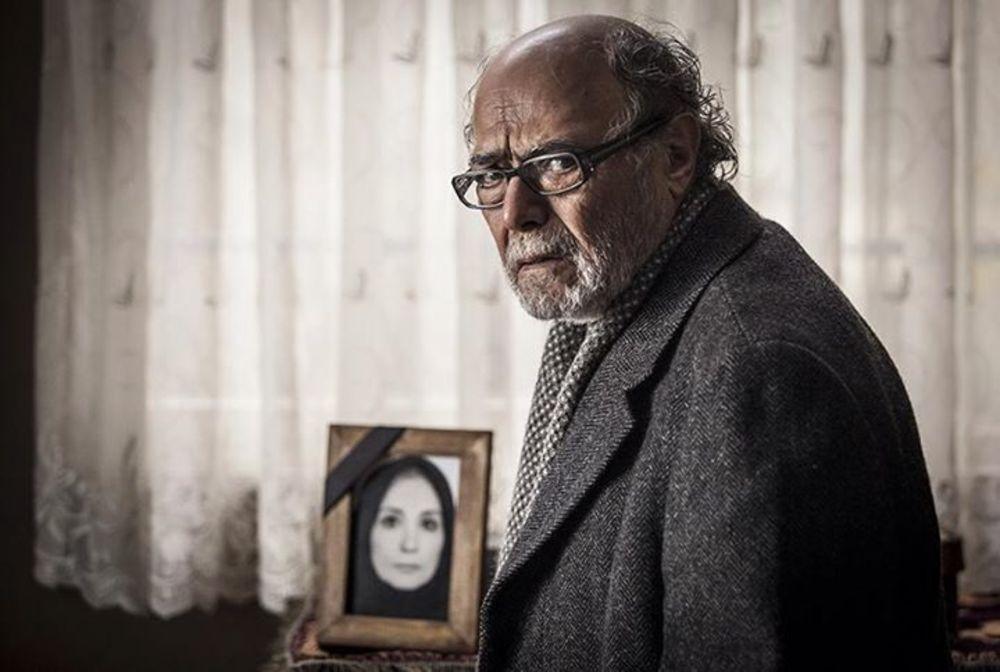 اکبر زنجان پور در نمایی از فیلم «پل خواب»