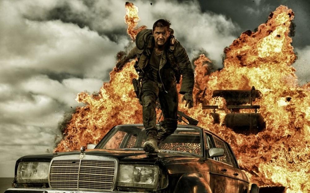 تام هاردی در نمایی از فیلم «مکس دیوانه: جاده خشم»(Mad Max: Fury Road)