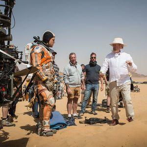 ریدلی اسکات و مت دیمون در پشت صحنه فیلم «مریخی»(The Martian)