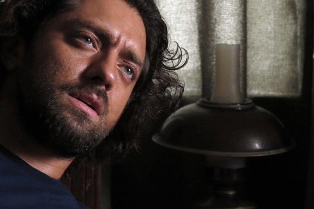 بهرام رادان در نمایی از فیلم سینمایی «حکایت عاشقی»
