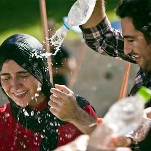نوید محمدزاده و باران کوثری در فیلم «عصبانی نیستم»