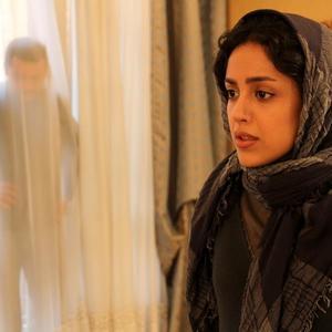 هنگامه حمیدزاده در نمایی از فیلم «متولد 65»