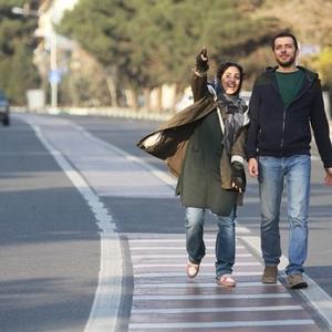 هنگامه حمیدزاده و پدرام شریفی در نمایی از فیلم «متولد 65»