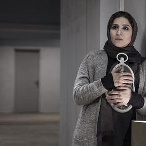 سحر دولتشاهی در نمایی از فیلم «نیمرخ ها»