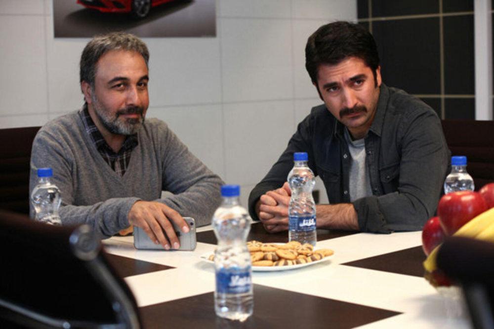 نمایی از فیلم «آب نبات چوبی» با بازی کریم امینی و رضا عطاران