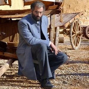 علیرام نورایی در نمایی از فیلم «یتیمخانه ایران»