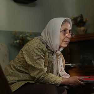 شیرین یزدانبخش در نمایی از فیلم «آشغال های دوست داشتنی» ساخته محسن امیریوسفی