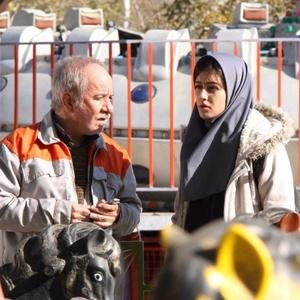پردیس احمدیه و مسعود کرامتی در نمایی از فیلم «لاک قرمز»