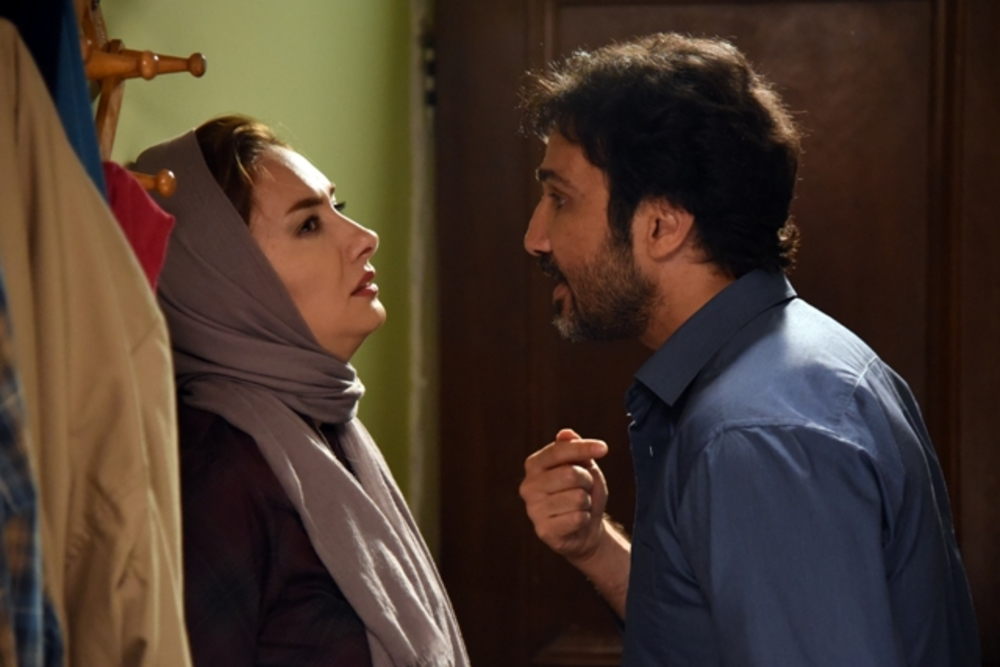 محمدرضا فروتن و هانیه توسلی در نمایی از فیلم سینمایی «نقطه کور»