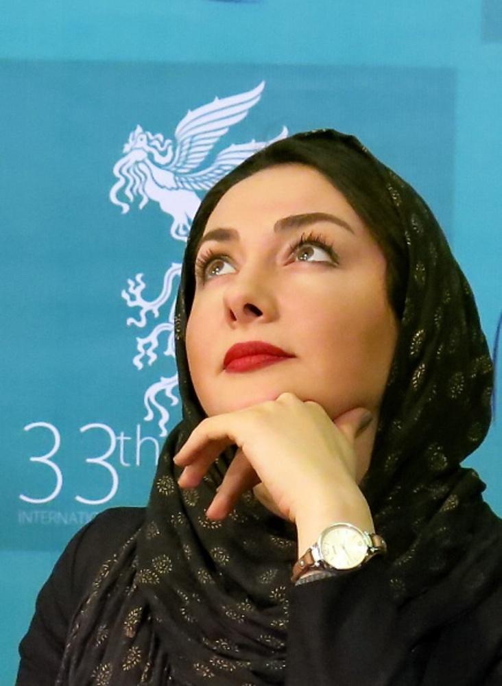 هانیه توسلی در نشست خبری فیلم «شکاف» در سی و سومین جشنواره فیلم فجر