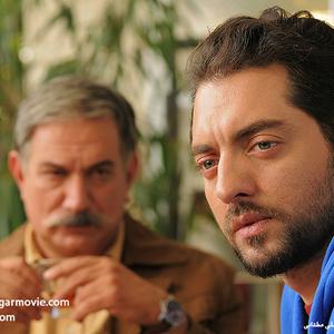 بهرام رادان و آتیلا پسیانی در نمایی از فیلم «نقش نگار»
