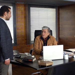 بهرام رادان و رضا کیانیان در نمایی از فیلم «بارکد»