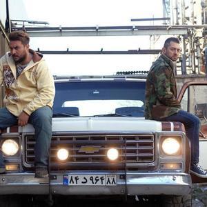 محسن کیایی و بهرام رادان در نمایی از فیلم «بارکد» ساخته مصطفی کیایی