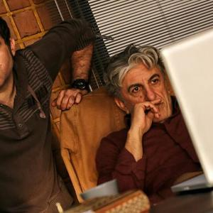 مصطفی کیایی و رضا کیانیان در نمایی از پشت صحنه فیلم «بارکد»