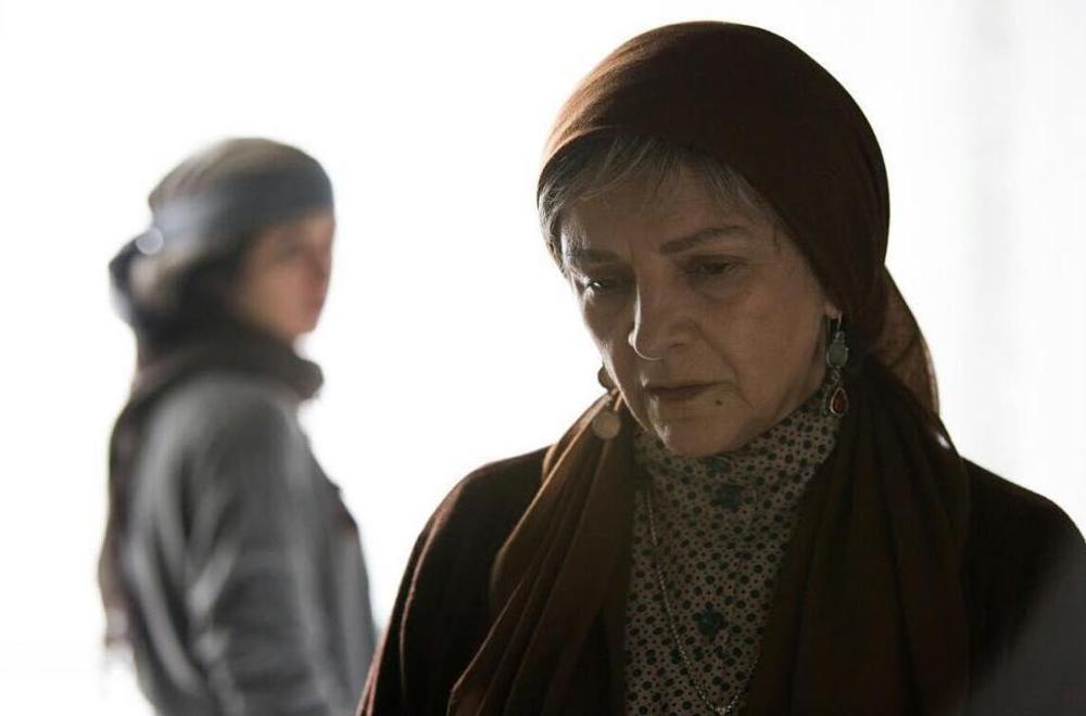 گلاب آدینه در نمایی از فیلم سینمایی «آبجی» اولین ساخته مرجان اشرفی زاده
