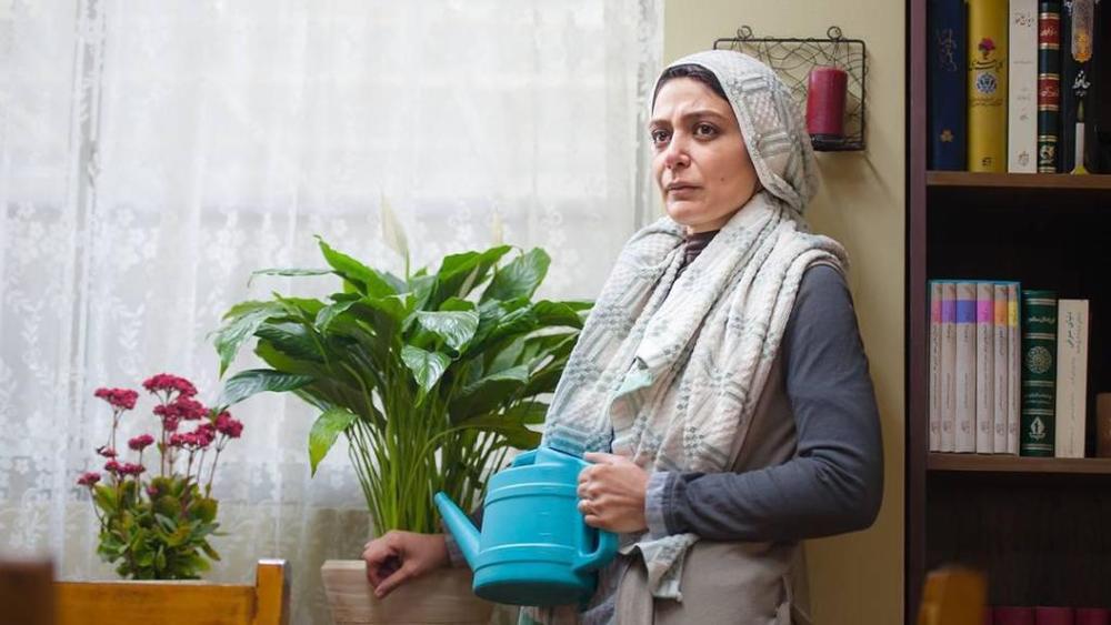 الهام کردا در نمایی از فیلم «به دنیا آمدن» ساخته محسن عبدالوهاب