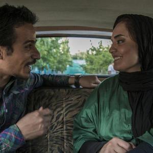 نرگس محمدي و حسین سلیمانی در نمایی از فیلم «دربست»