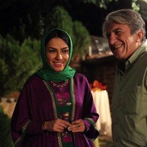 رضا کیانیان و بیتا احمدی در نمایی از فیلم «خبر خاصی نیست»