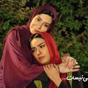 افسانه بایگان و بیتا احمدی در نمایی از فیلم «خبر خاصی نیست»