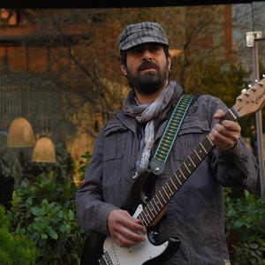 شهاب حسینی در نمایی از فیلم «برادرم خسرو» اولین ساخته احسان بیگلری