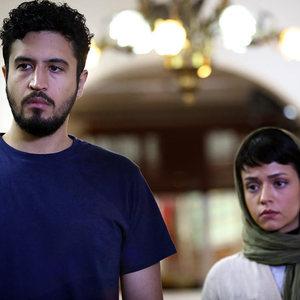 سوگل خلیق و مهرداد صدیقیان در نمایی از فیلم «خماری» اولین ساخته داریوش غذبانی
