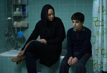 نمایی از فیلم «خانهای در خیابان چهل و یکم» با بازی مهناز افشار و مانیا رحمانی