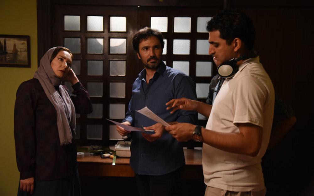 مهدی گلستانه، هانیه توسلی و محمدرضا فروتن در پشت صحنه «نقطه کور»