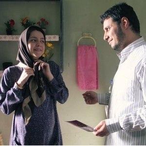 جواد عزتی و نازنین بیاتی در فیلم «فرشته ها با هم می آیند»
