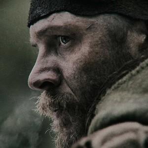 تام هاردی در نمایی از فیلم «بازگشته»(The Revenant)