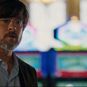 برد پیت در نمایی از فیلم «کمبود بزرگ»(the big short)