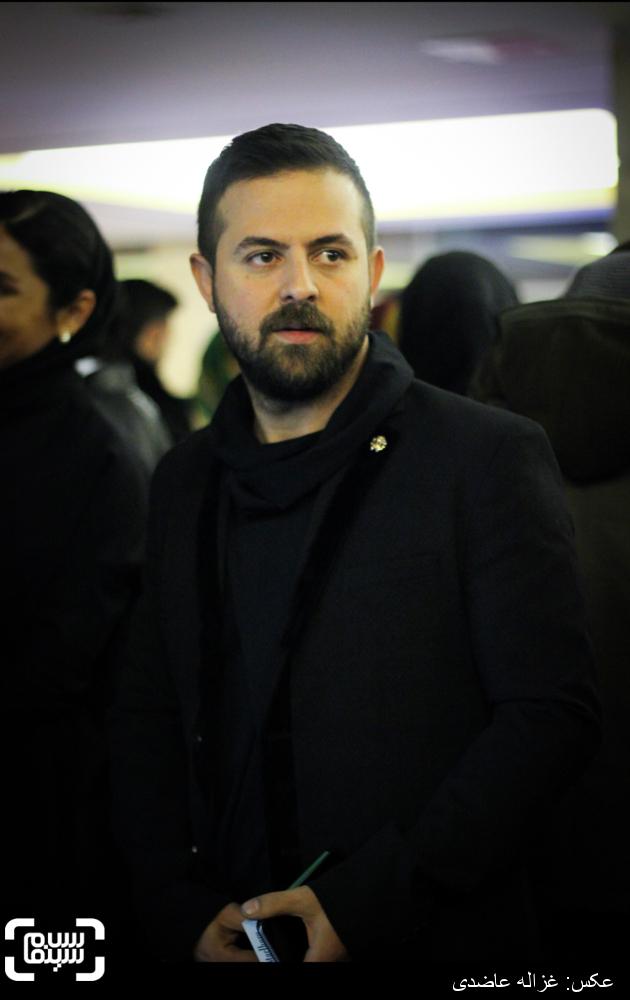 هومن سیدی در اکران «خشم و هیاهو» در کاخ سی و چهارمین جشنواره فیلم فجر