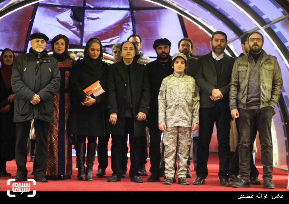 فرش قرمز فیلم «خانهای در خیابان چهل و یکم» در  سی و چهارمین جشنواره فیلم فجر