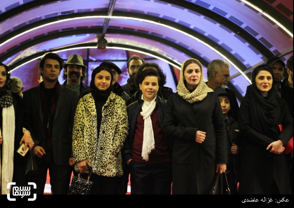 فرش قرمز فیلم «به دنیا آمدن» در کاخ سی و چهارمین جشنواره فیلم فجر