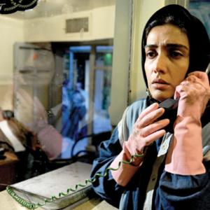 """لیلا زارع در نمایی از فیلم سینمایی"""" گنجشکک اشی مشی"""""""