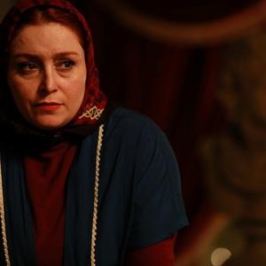 ژاله صامتی در نمایی از فیلم «دراکولا» ساخته رضا عطاران
