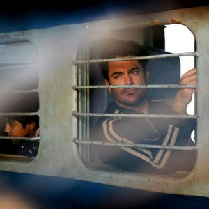محمدرضا گلزار در نمایی از فیلم «سلام بمبئی» محصول مشترک ایران و هند