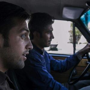 محسن افشانی در نمایی از فیلم «دربست»
