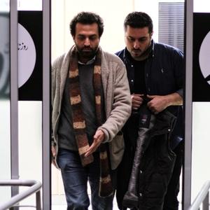مصطفی زمانی و محسن کیایی در نمایی از فیلم «یک روز بخصوص»