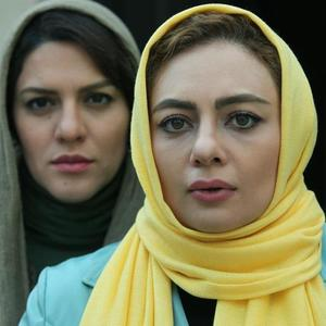یکتا ناصر و شایسته ایرانی در نمایی از فیلم «فصل نرگس»