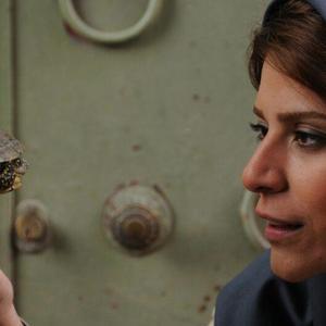 سحر دولتشاهی در نمایی از فیلم «دونده زمین»