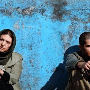 """رویا تیموریان و محمدرضا غفاری در نمایی از فیلم """"برف"""""""