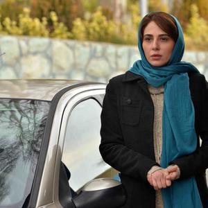 رعنا آزادی ور در نمایی از فیلم «مرداد» ساخته بهمن كامیار
