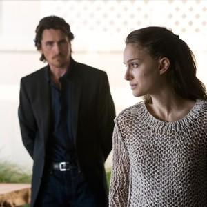 کریستین بیل و ناتالی پورتمن در فیلم «شوالیه جامها»(Knight of Cups)