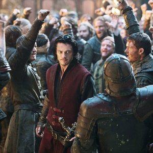 لوک ایوانز در نمایی از فیلم «ناگفتههای دراکولا»(Dracula Untold)