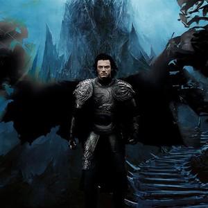 لوک ایوانز در نمایی از فیلم «ناگفتههای دراکولا»
