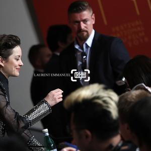 ماریون کوتیار در نشست خبری فیلم «اینجا ته دنیاست»(It's Only The End Of The World) در جشنواره فیلم کن2016