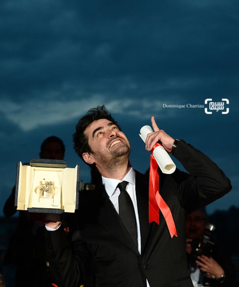 شهاب حسینی برنده بهترین بازیگر مرد برای بازی در فیلم «فروشنده» در اختتامیه شصت و نهمین جشنواره فیلم کن