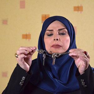 شیوا خنیاگر در فیلم «پانسیون دختران»