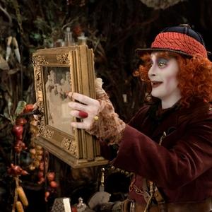 جانی دپ در نمایی از فیلم «آلیس آنسوی آینه»(Alice Through the Looking Glass)